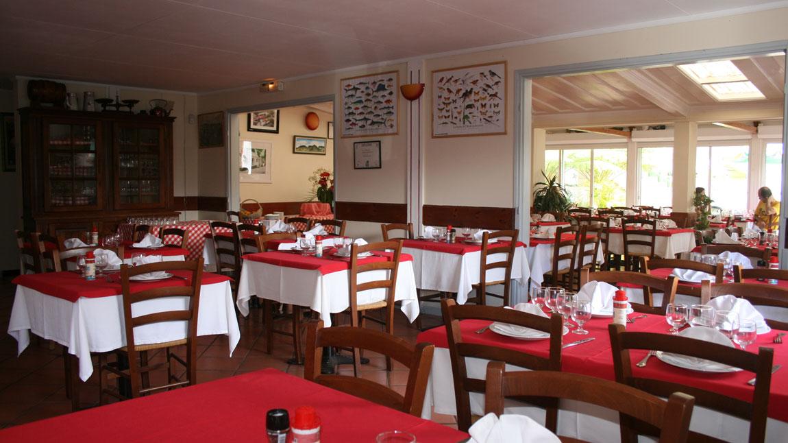 Le relais des cimes hell bourg salazie la r union for Hell s kitchen restaurant la